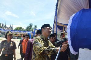 Walikota Payakumbuh Riza Falepi memukul beduk pertanda dimulainya MTQ tingkat Kota Payakumbuh ke 36 di Pakan Sinayan.