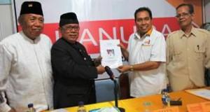 H Muslim Kasim mendaftar jadi calon gubernur di Partai Hanura Sumbar