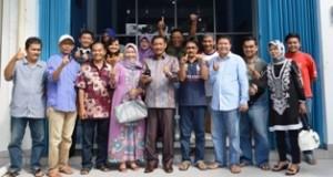 H Wilman Singkuan mendaftar menjadi bakal calon Bupati Limapuluh Kota. Restu Josrizal Zain dikantonginya.