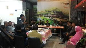 Pengurus Ikatan Masyarakat Padangpanjang (IMPP) Jakarta ketika melakukan silaturahmi dengan Ninik Mamak di Kota Padangpanjang.