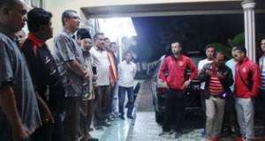 Walikota melepas rombongan semen padang FC usai jamuan makan malam