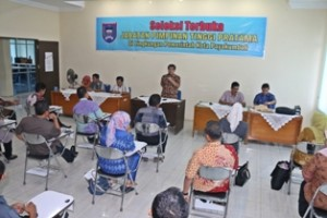 Sekdako Benni warlis selaku ketua Panpel Seleksi Terbuka Jabatan Pimpinan Tinggi Pratama buka seleksi tahap pertama yang berlangsung di Aula BKD Payakumbuh.