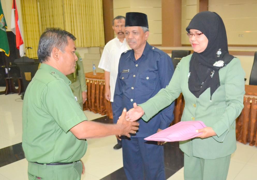 Pemkab Padangpariaman menerima dokumen dari pihak IAIN