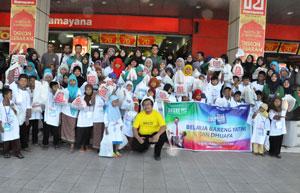 PKPU-Padang-kembali-menggelar-Program-Belanja-Bareng-Yatim-dengan-mengajak-100-anak-yatim-dhuafa-berbelaja-di-Ramayan-Plaza-Andalas-Padang.--(2)