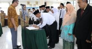 Pelantikan pejabat di Lingkungan Pemko Payakumbuh.