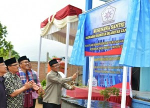 Bupati Agam resmikan Rusunawa MTI.