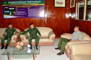 Pelaksana Harian Danrem 032/Wbr Kunjungi Balai Pembibitan Ternak Sapi Unggul