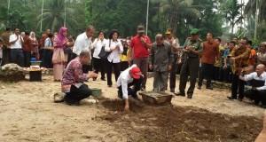 Jokowi meresmikan peletakan batu pertama
