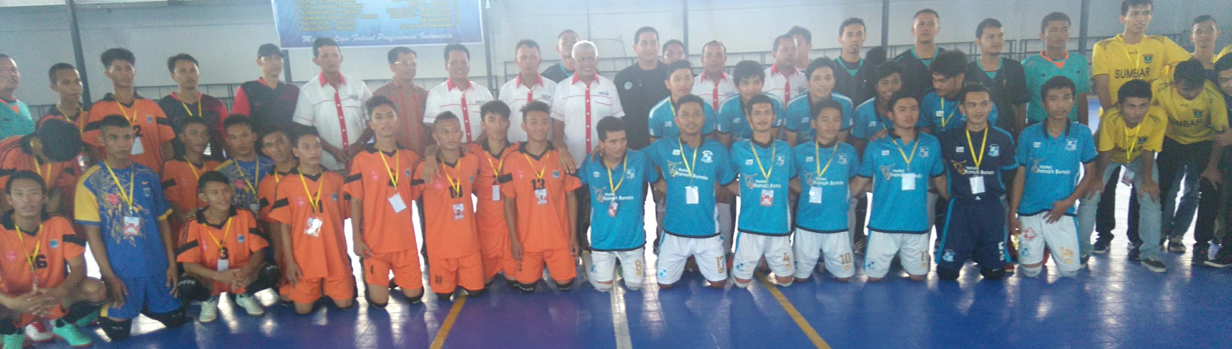 tim Mentawai dan Cendana Andalas bersama KONI, pengurus AFD dan panitia LFN Sumbar.