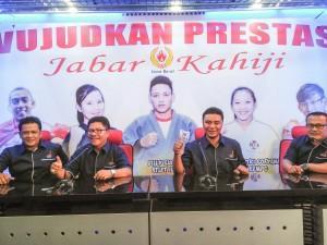 Tim AJO Sumbar tengah beraudiensi di Press Room PON Jabar