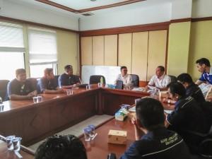 Tim AJO Sumbar berdiskusi di Kantor KONI Jabar 25 November 2015
