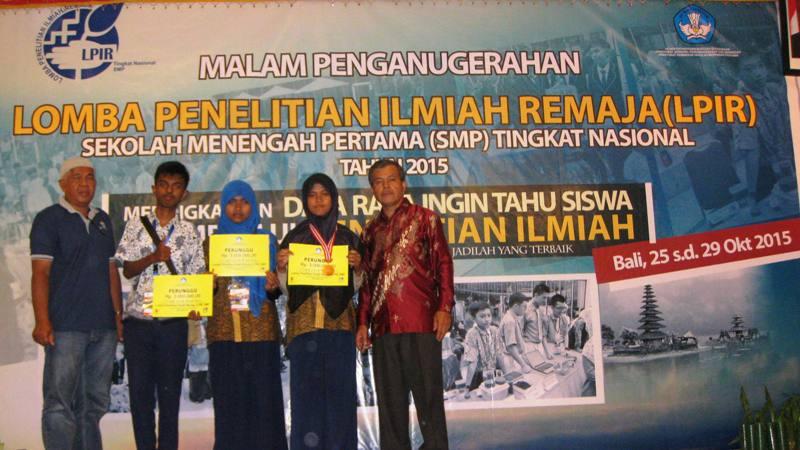 Tim SMPN 1 Payakumbuh Juara III LPIR 2015