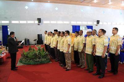 Wakil Ketua DPD LPM Sumbar, Irdinan Syah Tarmizi, melantik pengurus DPD LPM Payakumbuh.