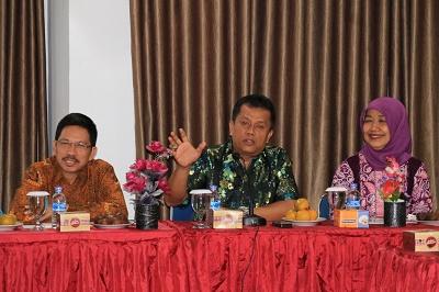 Kadis Kesehatan Kota Payakumbuh Elza Daswarman menyambut Tim Survey Puskesmas dari Kemenkes RI