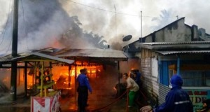 Kebakaran di Jalan Jambu Payakumbuh