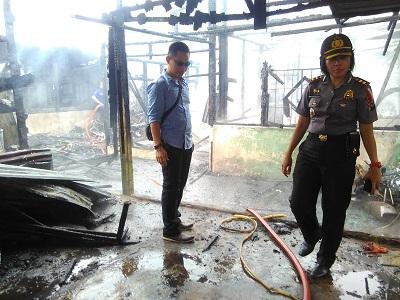 Kebakaran di Jalan Jambu Payakumbuh dipantau langsung Kapolres Payakumbuh AKBP Yuliani SH
