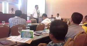 Dr H Syahrial Bakhtiar saat Rakornis di Padang.