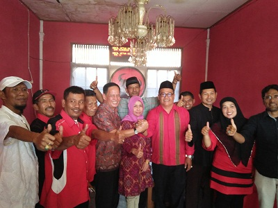 Ir H Benny Mukhtar mendaftar di DPC PDI P Payakumbuh-