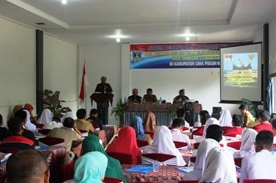 Sekdakab H Yendri Tomas, SE, MM membuka acara sosialisasi wawasan kebangsaan bagi siswa SMA/SMK se Kabupaten Limapuluh Kota.