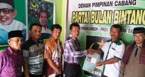Bakal Calon Wawako Payakumbuh Armen Faindal SH mendaftar di PBB