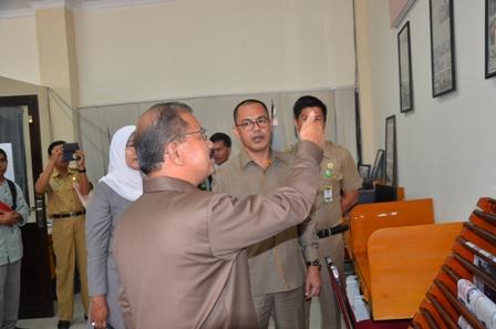 Ali Mukhni, KIP ditujukan untuk meningkatkan kemampuan Badan Publik dalam memberikan pelayanan informasi kepada masyarakat