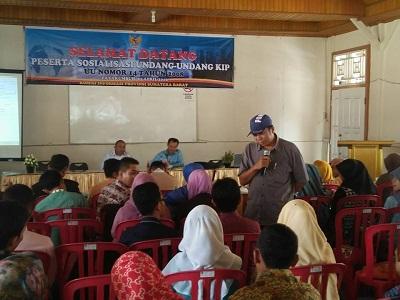 Komisi Informasi Provinsi Sumatera Barat melaksanakan Sosialisasi Undang-Undang KIP Nomor 14 Tahun 2008 di Gedung Gambir Payakumbuh, Jumat 1 April 2016
