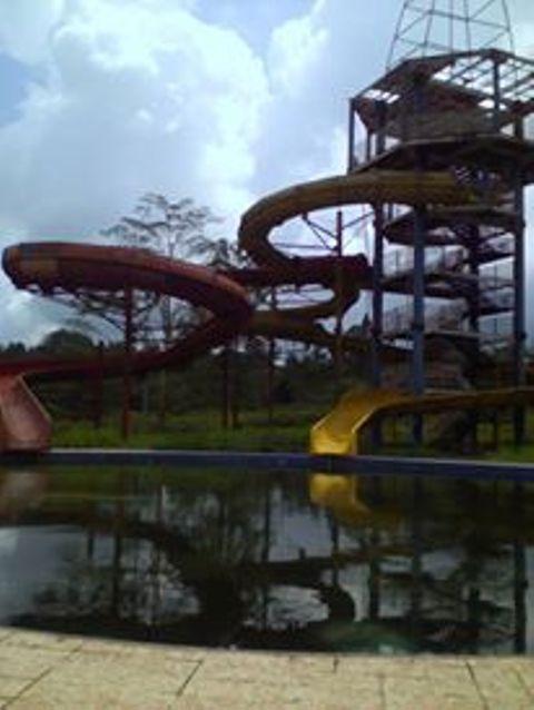 Objek Wisata Water Boom Padangpariaman