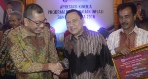 Walikota Payakumbuh terima penghargaan BI