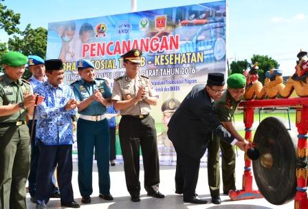 Forkopimda Plus, Dandim sejajaran Korem 032/Wbr, Dinas Kesehatan dan BKKBN Provinsi.