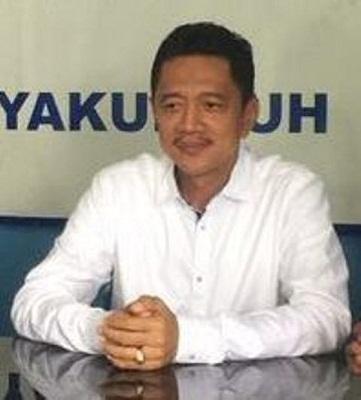 DR. H. Yulia Rahmad Mukhtar, drg. M. Kes--Ketua Yayasan Muchtar Syofinar SMA Muchtar Islamic Scool Payakumbuh