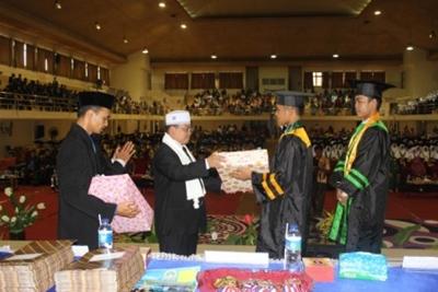Pelaksanaan Wisuda Akbar Angkatan Pertama Pesantren Terpadu Insan Cendekia Sumatera Barat, Minggu (22/5).