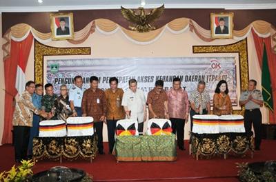 Peresmian TPAKD Sumbar oleh Gubernur Irwan Prayitno.