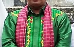 Wakil Bupati Kabupaten Limapuluh Kota, Ferizal Ridwan dalam balutan busana muslim.