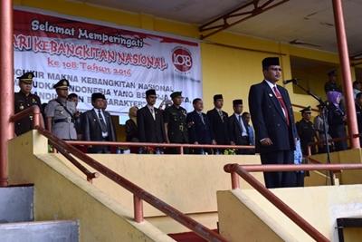 Upacara peringatan Hari Kebangkitan Nasional (Harkitnas) ke 108 tahun 2016 di GOR Singa Harau Kabupaten Limapuluh Kota, Jumat (20/5)