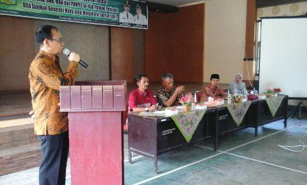 Setdakab Padangpariaman Jonpriadi saat memberikan sambutan pada acara pelatihan penyelenggara Jenazah (foto/humas)