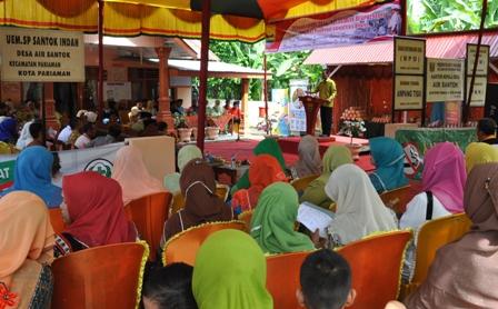 Wakil Walikota Genius Umar beri sambutan pada lomba desa berprestasi di desa air santok pariaman
