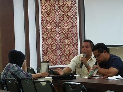 Kasi Olahraga Prestasi Denitral dan Kabid Pemuda dan Olahraga Hadiatul Rahmat menjelaskan kondisi kesiapan kontingen Porprov XIV di Rapat Koordinasi hari ketiga Jumat.