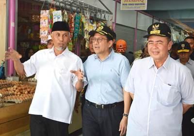 Ketua DPD RI Irman Gusman bersama Walikota Padang H Mahyeldi Dt Marajo.