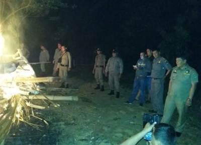 Tim 7 Payakumbuh kembali membakar sarang judi ambuang di Kelurahan Kotopanjang Payobasuang, Kecamatan Payakumbuh Timur, Rabu (29/6) malam.