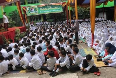 Tabliq akbar menyambut masuknya bulan suci Ramadhan 1437 H di Sekolah Dasar Islam Raudhatul Janah (SDI-RJ) Payakumbuh.