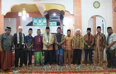 Tim Safari Ramadhan, Kementerian Agama Limapuluh Kota turun pada malam kedua pelaksanaan shalat tarawih Ramadhan 1437, Senin (6/6).