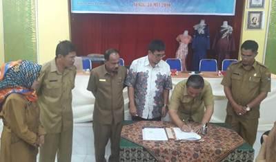Wakil Walikota H. Suwandel Muchtar bersama Ketua STP Sahid Jakarta, Ir. Kusmayadi, MM, didampingi beberapa SKPD, Senin, (30/5).