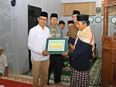 Kedatangan Gubernur Irwan Prayitno bersama Tim Safari Ramadhan di Masjid Arafah di Kelurahan Tanjung Gadang Sungai Pinago, Kecamatan Payakumbuh Barat, Senin (13/6).