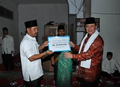 Wagub Sumbar Nasrul Abit dalam kunjungan bersama TSR ke Sijunjung