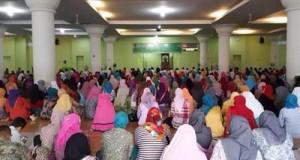 Peringatan Nuzul Quran 1437 H Pemerintah Kota Padang di Mesjid Nurul Iman, Jumat (24/6).