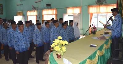 Pengukuhan Tim Kerja Pelaksana ZI-WBK/WBBM Kemenag Limapuluh Kota (17/6).