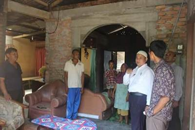 Rumah Ujang di RT 4 RW 5, Pasar Ambacang, Anduring, Kecamatan Kuranji, bakal rampung.