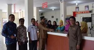 Sidak digelar Bupati Limapuluh Kota Irfendi Arbi di sejumlah kantor pemerintahan, Kamis (29/7).