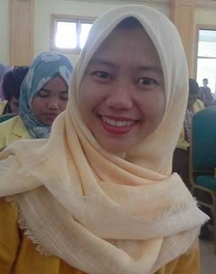 Mahasiswa Universitas Negeri Padang, Fakultas Ilmu Pendidikan Fajriah Ilmawati Misfari.