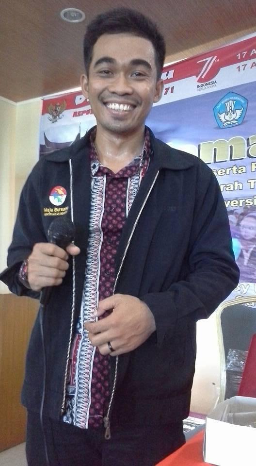 Danang jadi Guru Sampai ke Lembah Papua Barat